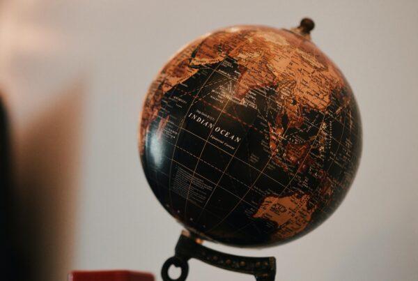 I Want a Globe in my logo